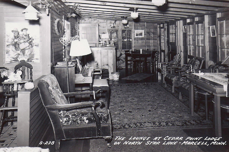 Black and white photo of the orginal lodge at Cedar Point resort in the 1930's.